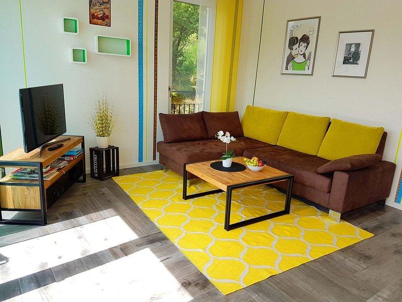 Ferienwohnung Retro-Nestle 2, 57 qm, 1 Schlafzimmer, 1 Wohn-/Schlafzimmer, Terra, vacation rental in Hayingen