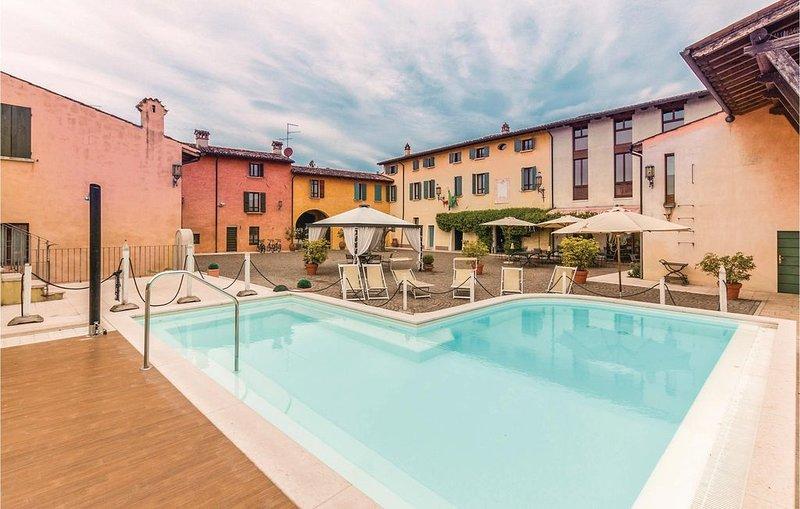 2 Zimmer Unterkunft in Castellaro Lagusello, holiday rental in Cavriana