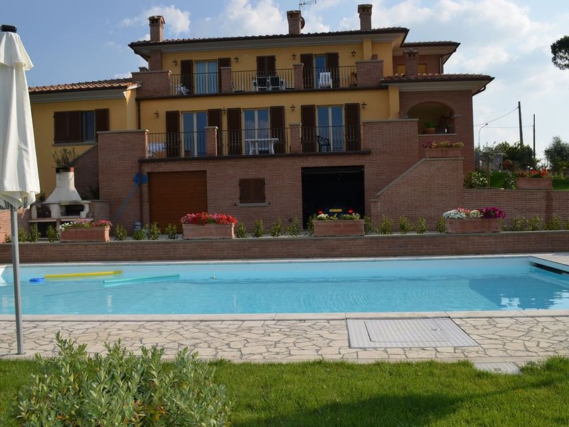 Villa Baccus is a lovely appartment on the first floor of an elegant villa, loc, vacation rental in Badicorte