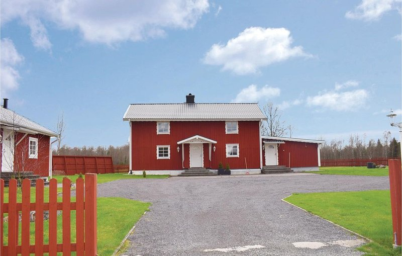 4 Zimmer Unterkunft in Rörvik, vacation rental in Bodafors