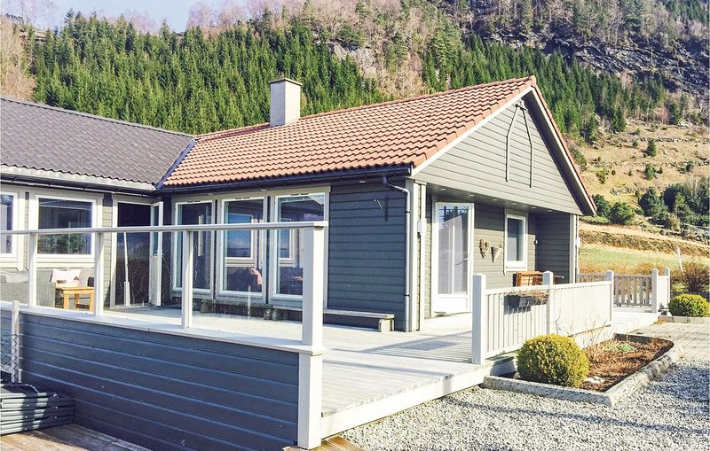 5 Zimmer Unterkunft in Hebnes, holiday rental in Vindafjord Municipality