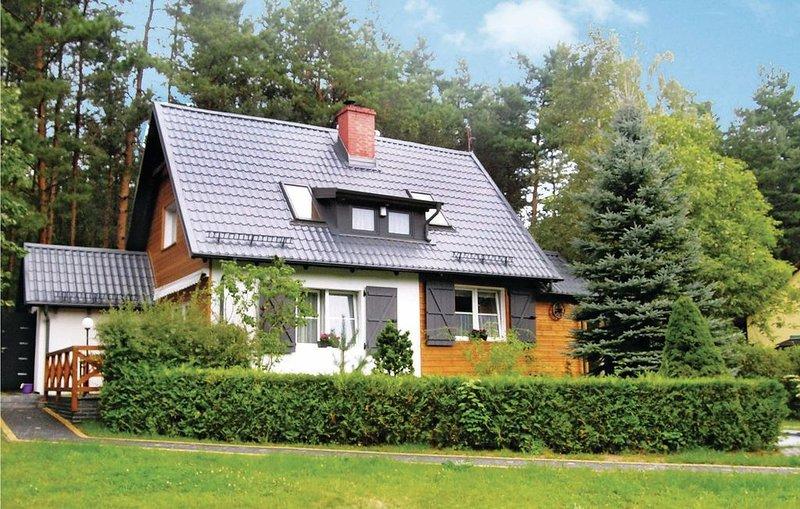 2 Zimmer Unterkunft in Szemud, holiday rental in Szymbark
