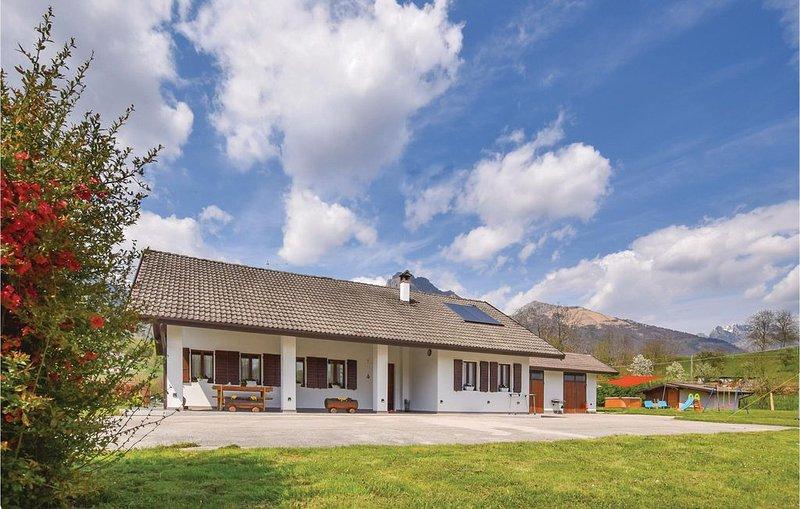 4 Zimmer Unterkunft in Feltre -BL-, vacation rental in Umin