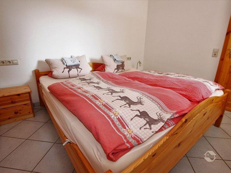 Ferienwohnung mit 52qm, 1 Schlafzimmer für 2 Personen, Terrasse (Aufbettung mögl, alquiler vacacional en Bad Wildbad