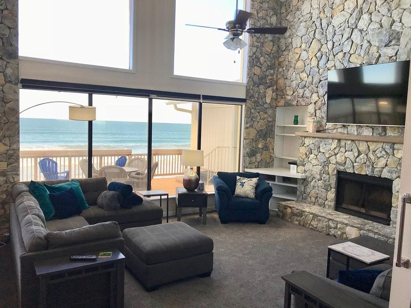 Luxury, Ocean Front on Melbourne Beach - Spectacular Views!, vakantiewoning in Micco