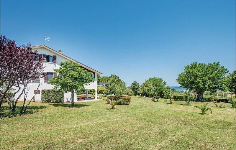 6 Zimmer Unterkunft in San Costanzo -PU- – semesterbostad i Fano
