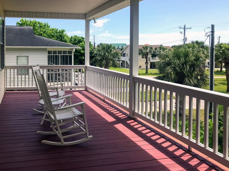 Suite Caroline - Dual Master Suites & Easy Beach Access; Quality Decor, aluguéis de temporada em Edisto Beach