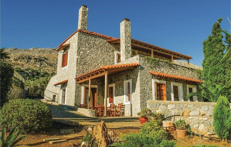 5 Zimmer Unterkunft in Agios Vasilios, holiday rental in Kerames