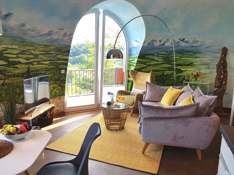 Ferienwohnung Alb-Nestle, 55 qm mit Terrasse und 1 Schlafzimmer für max. 2 Perso, vacation rental in Hayingen