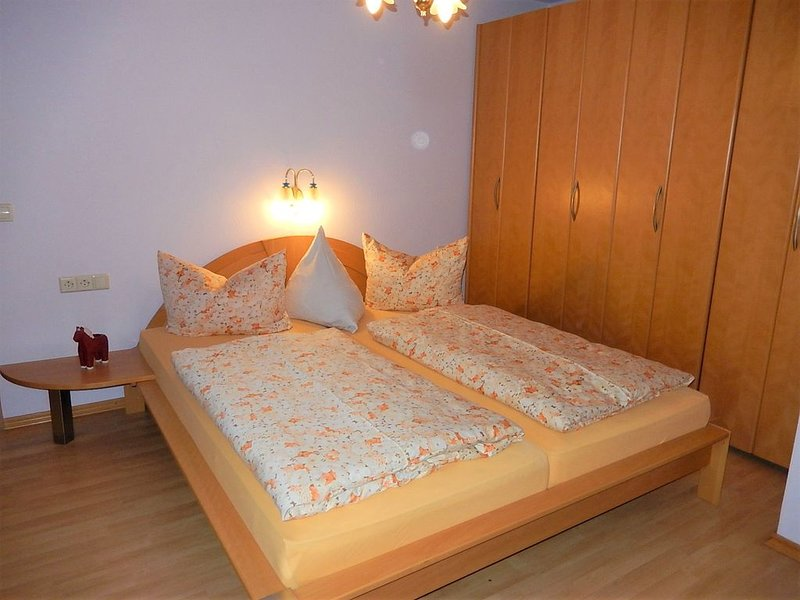 Ferienwohnung 2, 50qm, mit 2 Schlafzimmer für max. 4 Personen, alquiler vacacional en Freudenstadt