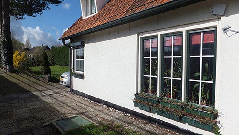 Freistehend, Sauna, Whirlpool, Schwimmbad, Holzofen, Wintergarten, Strand 1,5 km, vakantiewoning in Sint-Margriete