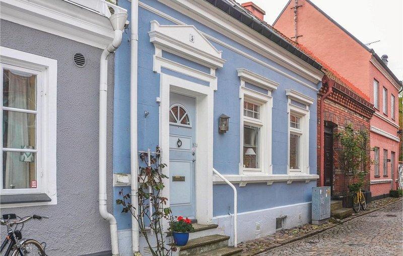 3 Zimmer Unterkunft in Ystad, holiday rental in Loderup