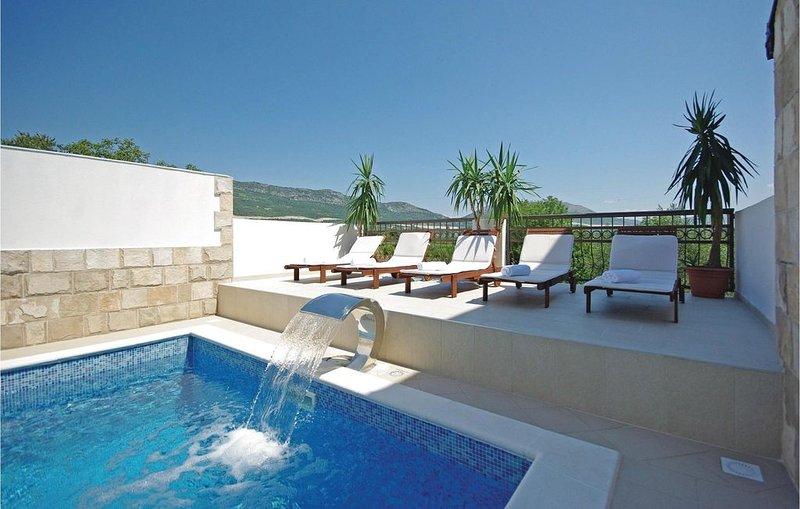 9 Zimmer Unterkunft in Umcani, holiday rental in Otric-Seoci