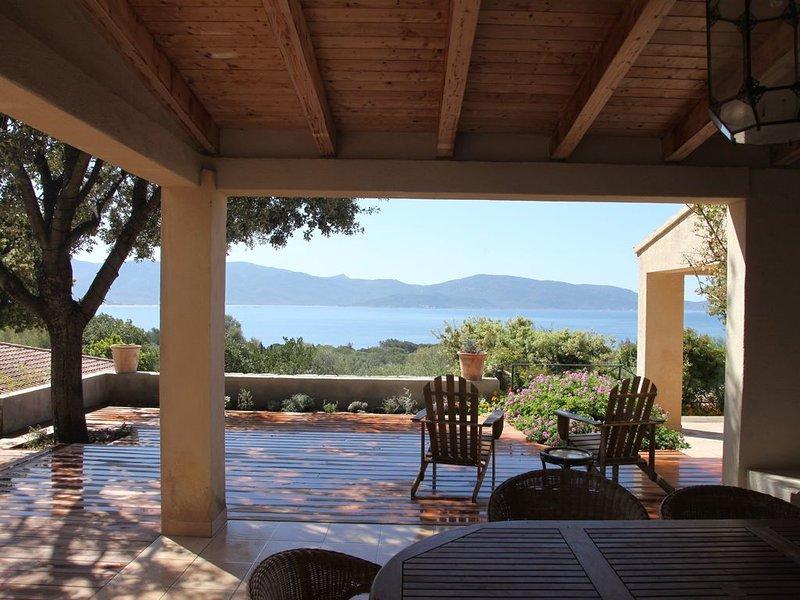Appartement 3 chambres (plein pied) dans résidence avec piscine, 250m des plages, holiday rental in Olmeto