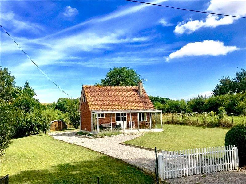 La petite maison dans la prairie entre Hesdin et Montreuil/mer, 40min' de la mer, holiday rental in Beauvoir Wavans
