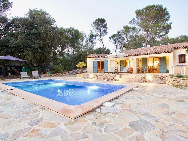 Salernes - Villa with heated pool / Villa avec piscine chauffée, location de vacances à Sillans-la-Cascade
