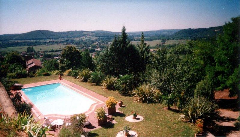 L' Amarante - Gîte de charme avec piscine et vue panoramique - Près de Sarlat., casa vacanza a Saint-Cyprien