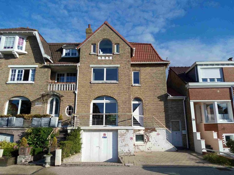 La villa Saint Jean de Bray dunes , 4chambres, 3sdb, billard, 100m plage, vacation rental in Nord