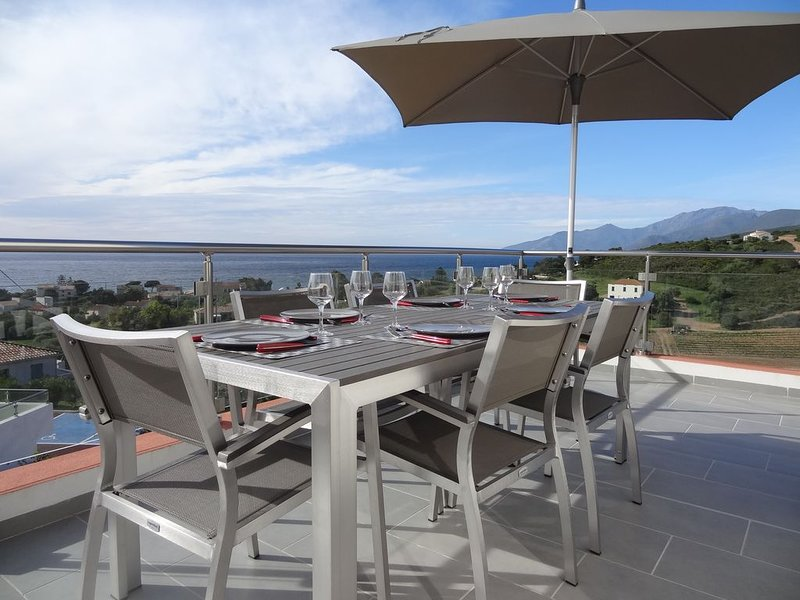 Superbe T3 Neuf Vue sur Mer, Montagnes & Vignobles., vacation rental in Haute-Corse
