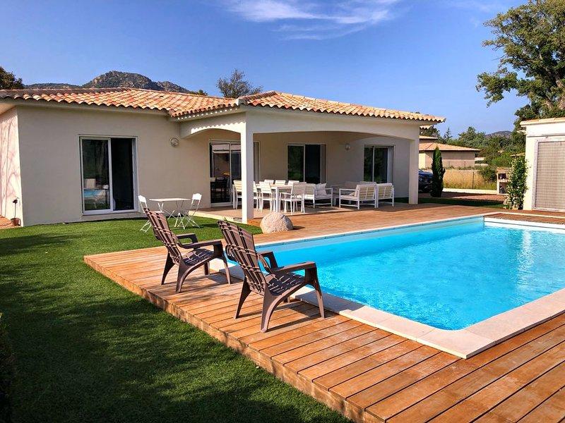 Villa climatisée avec piscine privée chauffée proche des plages et commerces, casa vacanza a Conca