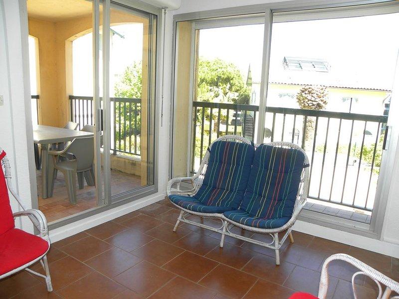 Appartement 3 Pièces 60 m² + Terrasse - Plage Renecros, Port et Centre Bandol, vacation rental in Ile de Bendor
