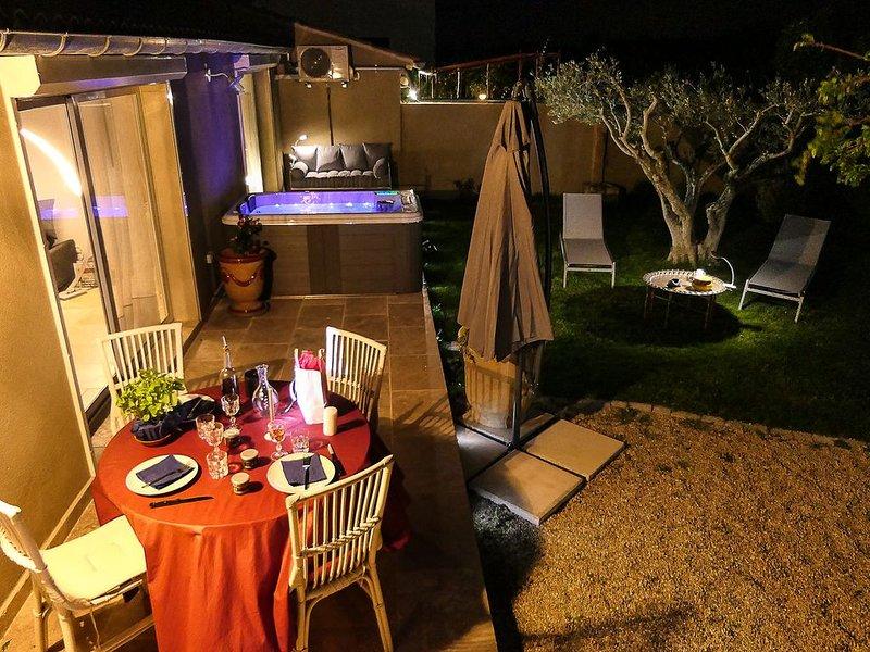 CHARME ET CARACTERE ENTRE ALPILLES ET CAMARGUE  DU 26.05 AU 30.06 SEMAINE A 800€, vacation rental in Saint-Martin-de-Crau