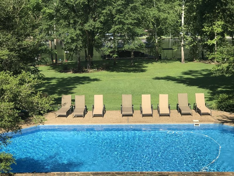 Lake Hamilton Gated, Private Lake Home 4BR/4BA Lake Hamilton/Private Pool, vacation rental in Hot Springs