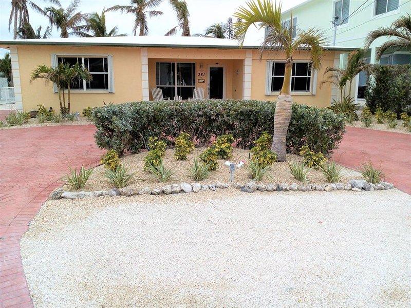 Keys Elegant Single Family House.  Heated Private Pool + pool club!   Dock, holiday rental in Key Colony Beach