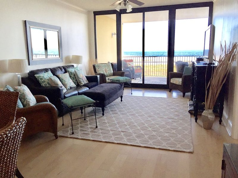 Newly Redecorated - Large & Luxurious, Holiday Isle Unit 409, holiday rental in Fort Morgan