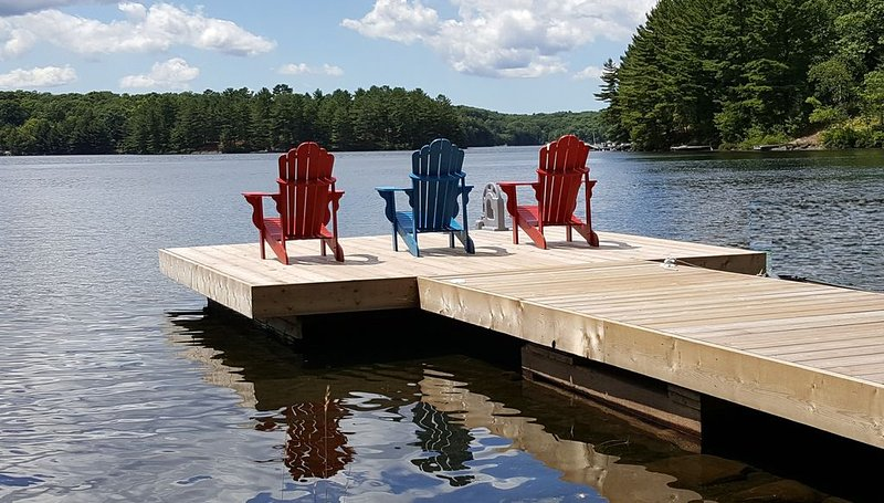 Muskoka Family Cottage On Crystal Clear High Lake, holiday rental in Seguin Township