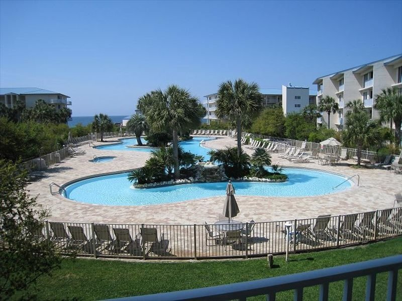 White Pristine Beaches are Waiting For You!  Oceanside Complex!, holiday rental in Seacrest Beach