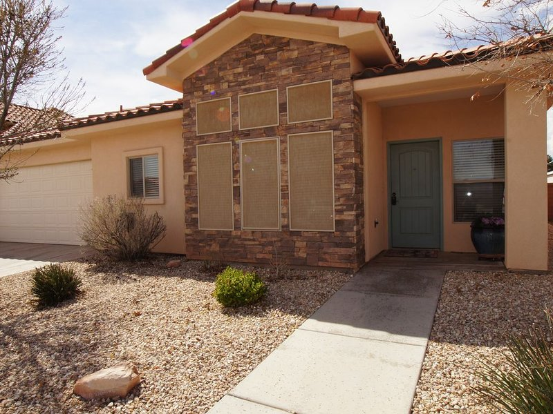 3 BDRM Home, Minutes From Horseshoe Bend, Antelope Canyon, vacation rental in Page