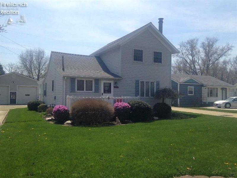 House, Cottage, Garage, Sleeps up to 12, alquiler de vacaciones en Port Clinton