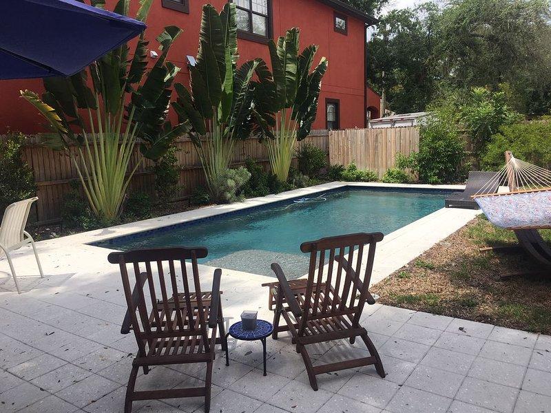 Private, Poolside, Pet-Friendly ParadiseNear Downtown Sarasota, holiday rental in Sarasota