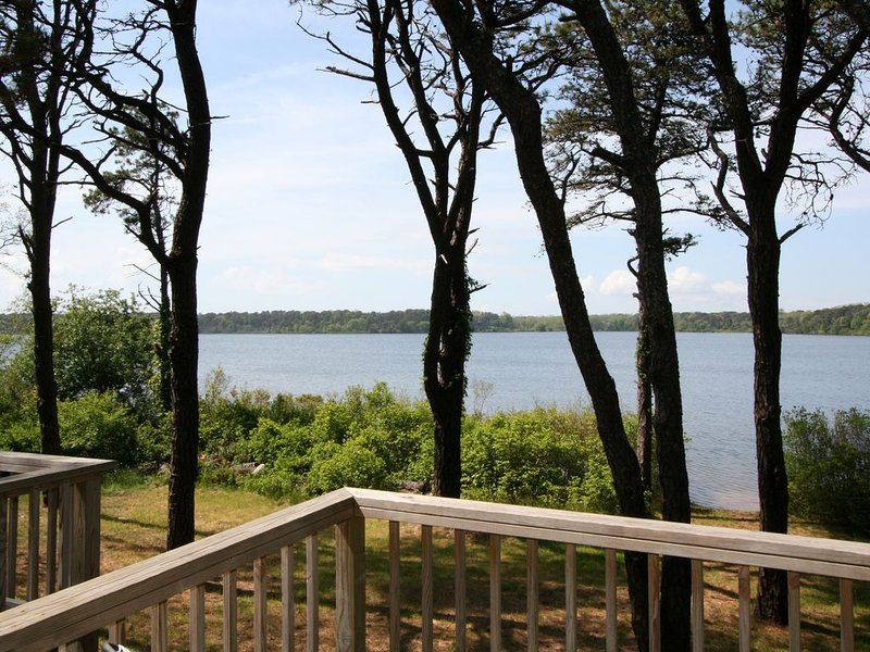 Beautiful Great Pond Waterfront Home- Eastham, MA, Ferienwohnung in Eastham