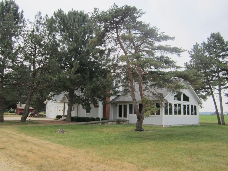 One of the most unique properties in the area!, holiday rental in Sandusky
