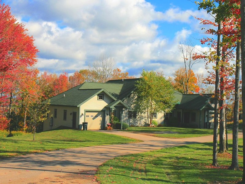 Peek N Peak Condo, Large 4BR, Sleeps 16 - Save W/Direct Rates, vacation rental in Chautauqua County
