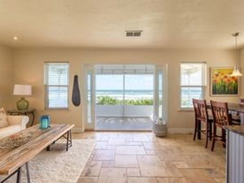 Oceanfront Beach Cottage - Wilbur By The Sea (Daytona Beach area), vacation rental in Ponce Inlet