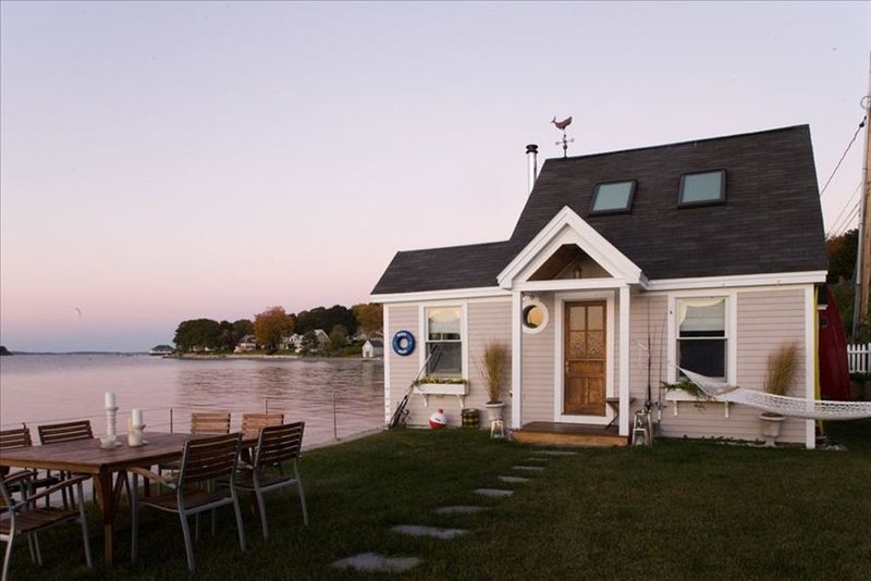 The 'Water House' Cottage is on a Sandy Beach! Amazing Views!!, holiday rental in Peaks Island