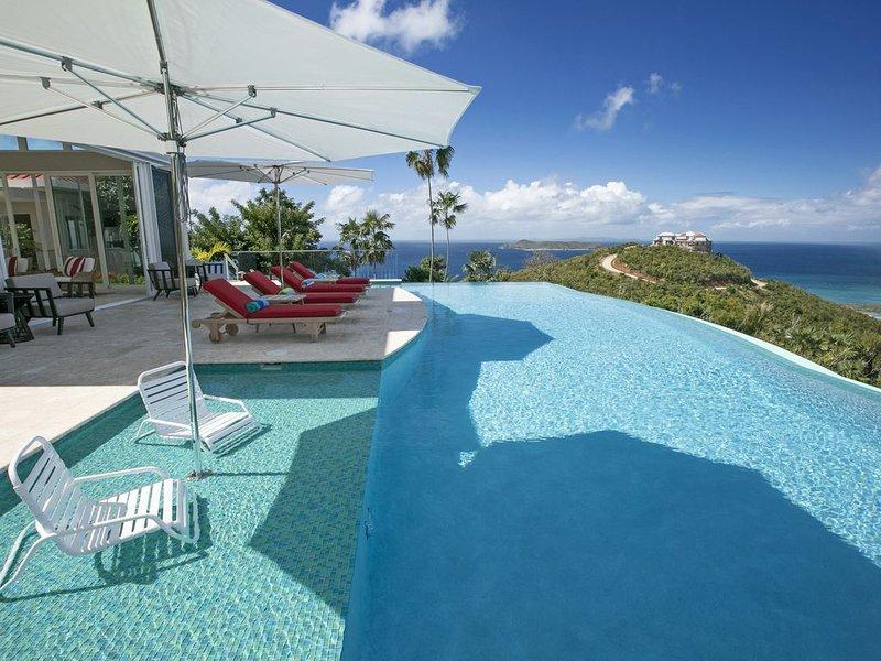 Viaggio ☆ Luxury Villa ☆ Incredible Views of Caribbean and Atlantic!, casa vacanza a Frenchtown