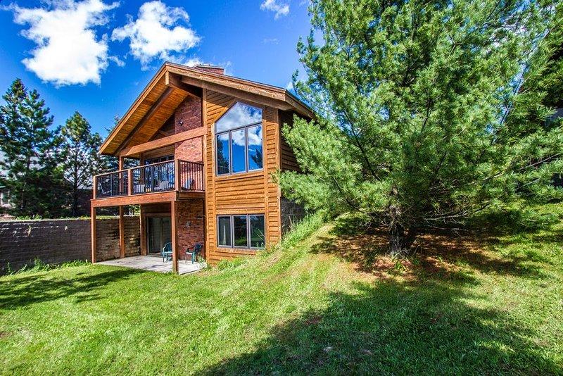 Devil Track Lake 215 - Devil Track Lake - Grand Marais, MN - Cascade Vacation Re, casa vacanza a Grand Marais