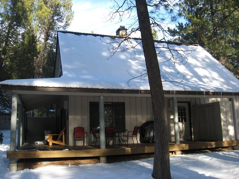Pet Friendly Circle 4 Cabin And People Friendly As Well, vacation rental in Sunriver