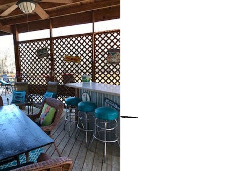 Waterfront Cabin on Caddo Lake / Big Cypress Bayou, location de vacances à Uncertain
