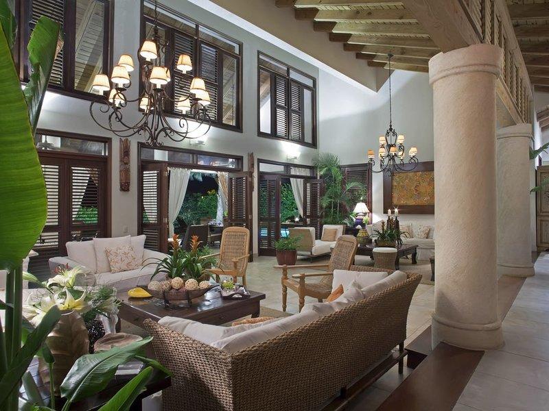 Living Rooms seen from Hallway
