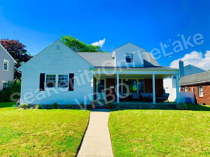 Lakefront Beach House  **Summer 2021 Now Booking**  Shore Perfection, holiday rental in Sea Girt
