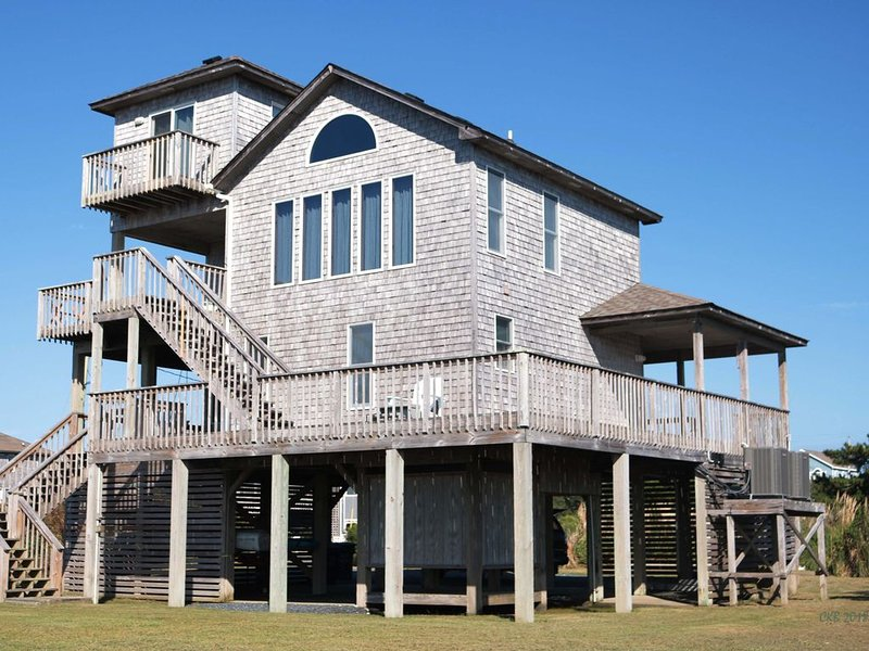 Sound Front Cottage with spectacular Sunset Views, Short walk to the beach, vacation rental in Waves