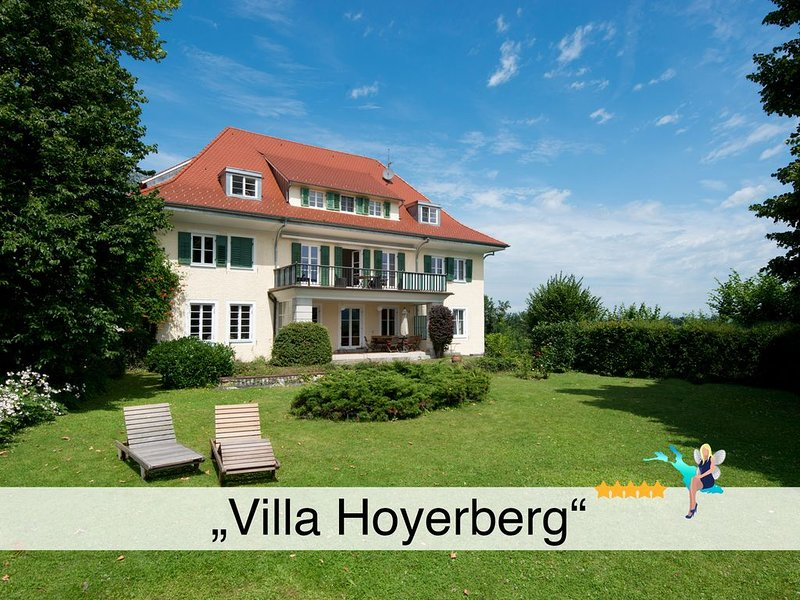 Tolle 5 Sterne Villa mit Garten, tollem Bick über den Bodensee und die Alpen, holiday rental in Wasserburg