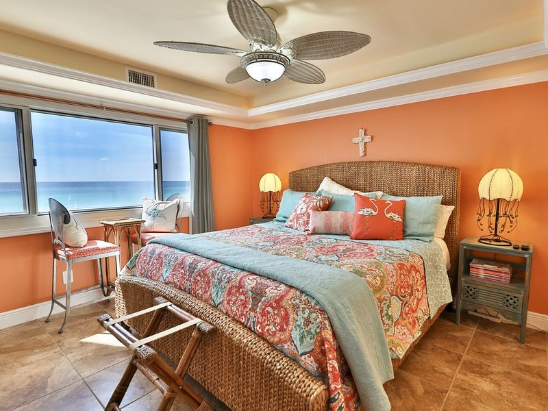 Pinnacle Port 5th floor 3BR 3BA in C-2.  Newly renovated and stylish!, holiday rental in Carillon Beach