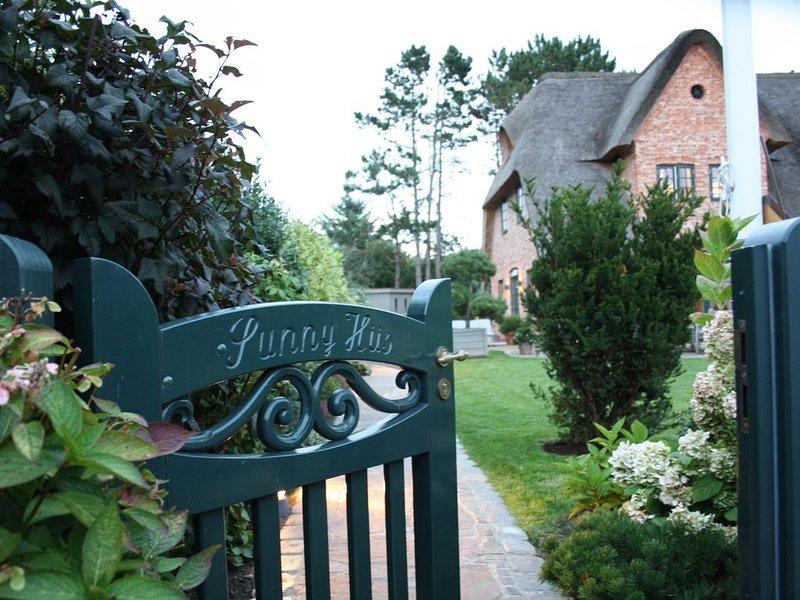Luxuriöses Ferienhaus für bis zu 8 Personen, location de vacances à Wenningstedt