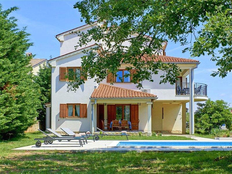 Villa Theresa in Ližnjan (Haus für 12 Personen), alquiler de vacaciones en Liznjan